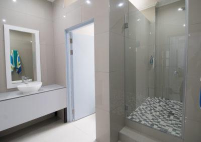zzzone-private-bathroom-1