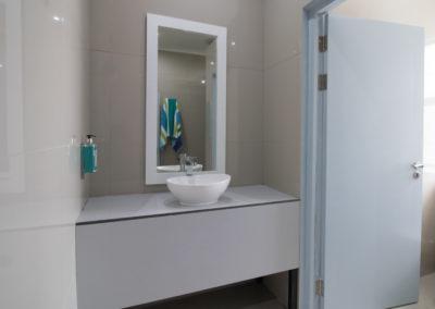 zzzone-private-bathroom-4